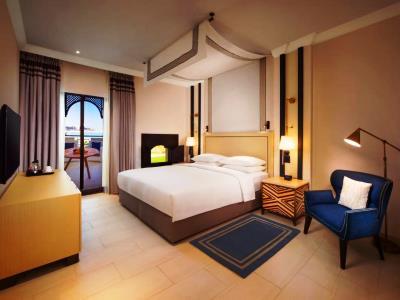 bedroom - hotel hilton ras al khaimah beach resort - ras al khaimah, united arab emirates