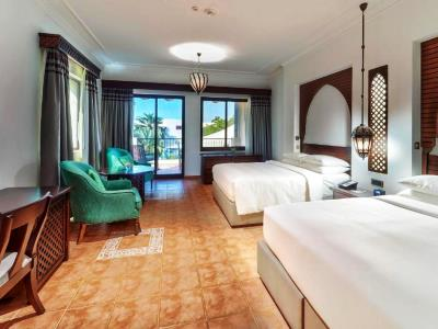 bedroom 4 - hotel hilton ras al khaimah beach resort - ras al khaimah, united arab emirates