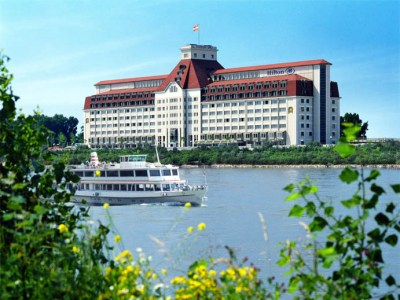 Hilton Danube Waterfront