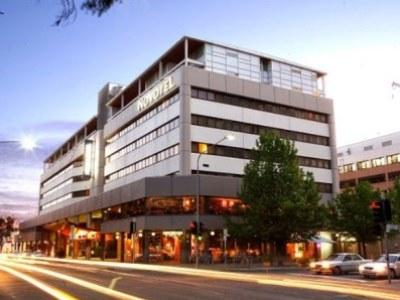 Novotel Canberra