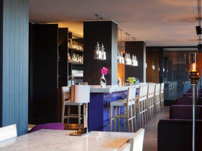 bar - hotel crowne plaza geneva - geneva, switzerland