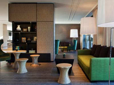 lobby 2 - hotel crowne plaza geneva - geneva, switzerland