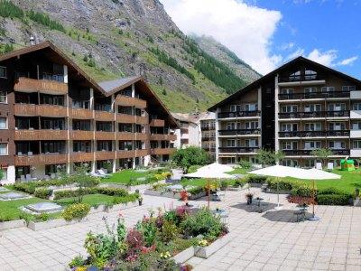 Schweizerhof And Residence