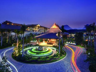 西雙版納萬達希爾頓逸林度假酒店