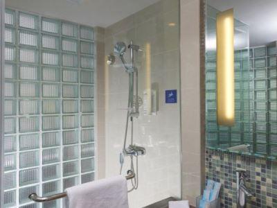 bathroom - hotel holiday inn express hefei downtown - hefei, china