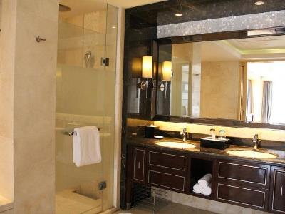 bathroom - hotel wanda realm huaian - huai'an, china