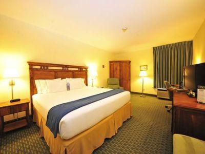 bedroom - hotel holiday inn express san jose airport - san jose, costa rica