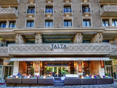 Guest-Incoming.com - Jalta (G)