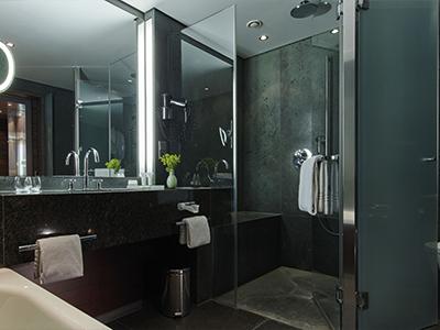 bathroom - hotel kempinski berchtesgaden - berchtesgaden, germany