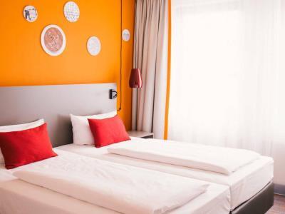 bedroom 1 - hotel vienna house easy braunschweig - braunschweig, germany
