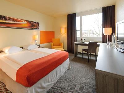 bedroom 1 - hotel mercure koln west - cologne, germany