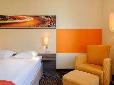 bedroom - hotel mercure koln west - cologne, germany