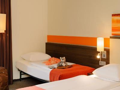 bedroom 3 - hotel mercure koln west - cologne, germany