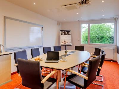 conference room - hotel mercure koln west - cologne, germany
