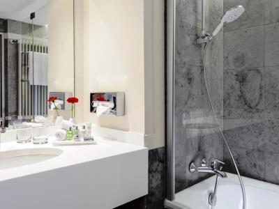 bathroom - hotel nh collection koln mediapark - cologne, germany