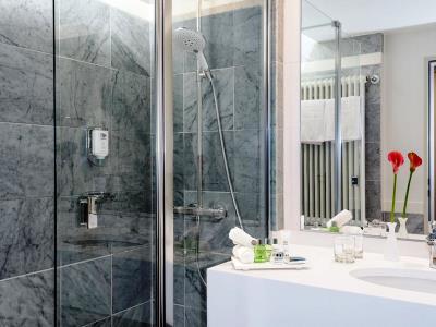 bathroom 1 - hotel nh collection koln mediapark - cologne, germany