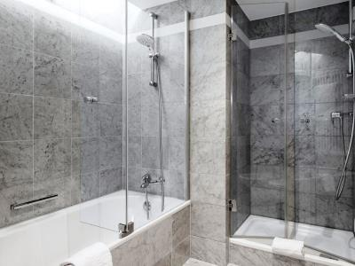 bathroom 3 - hotel nh collection koln mediapark - cologne, germany
