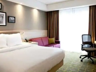bedroom - hotel hampton by hilton dortmund phoenix see - dortmund, germany