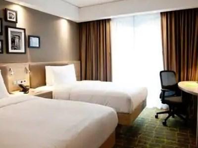 bedroom 3 - hotel hampton by hilton dortmund phoenix see - dortmund, germany