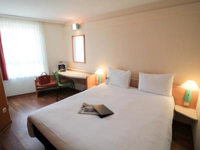 bedroom 1 - hotel ibis duesseldorf city - dusseldorf, germany