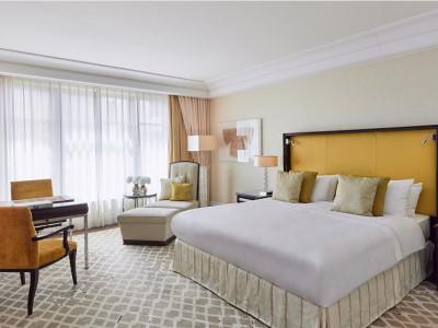 bedroom - hotel breidenbacher hof - dusseldorf, germany