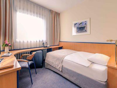 bedroom 1 - hotel mercure duesseldorf city center - dusseldorf, germany