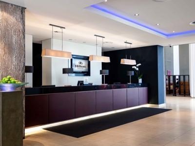 lobby - hotel hilton dusseldorf - dusseldorf, germany