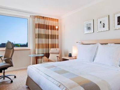 bedroom 2 - hotel hilton dusseldorf - dusseldorf, germany