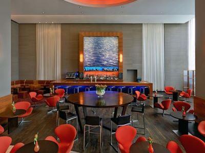 bar - hotel hilton dusseldorf - dusseldorf, germany