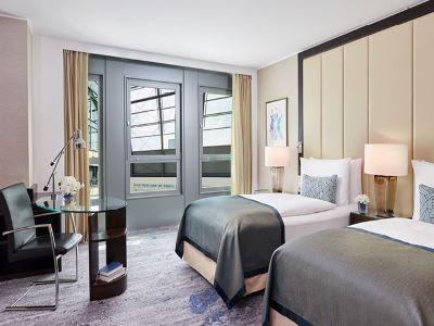 bedroom 2 - hotel intercontinental duesseldorf - dusseldorf, germany