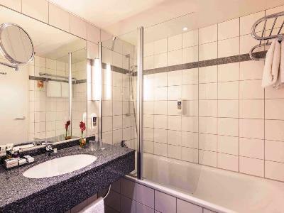 bathroom - hotel dusseldorf seestern - dusseldorf, germany