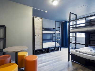 bedroom 3 - hotel a and o dusseldorf hauptbahnhof - dusseldorf, germany