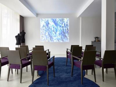conference room - hotel indigo dusseldorf - victoriaplatz - dusseldorf, germany