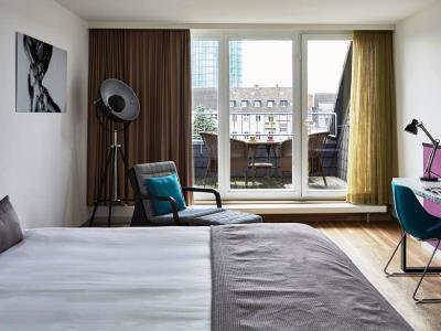 bedroom - hotel indigo dusseldorf - victoriaplatz - dusseldorf, germany