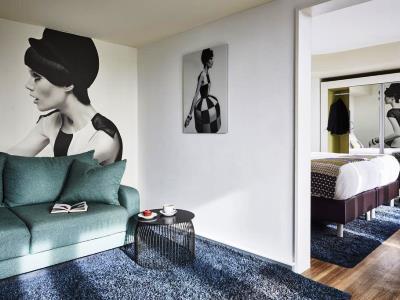 bedroom 2 - hotel indigo dusseldorf - victoriaplatz - dusseldorf, germany