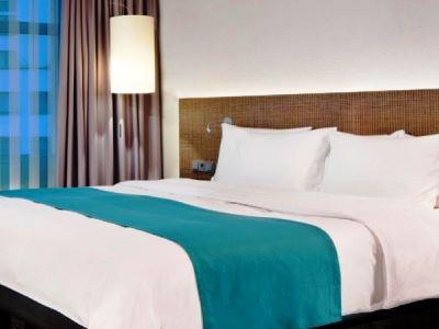 bedroom - hotel holiday inn dusseldorf - hafen - dusseldorf, germany
