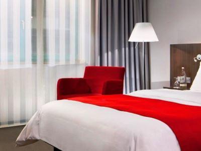 bedroom 3 - hotel holiday inn dusseldorf - hafen - dusseldorf, germany
