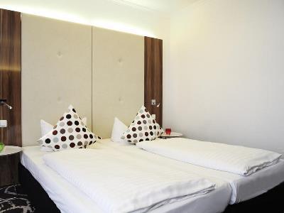 bedroom 2 - hotel ibis styles frankfurt city - frankfurt, germany