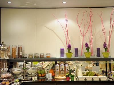 breakfast room 1 - hotel ibis styles frankfurt city - frankfurt, germany