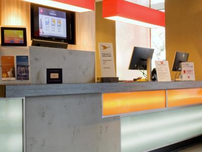 lobby - hotel ibis frankfurt centrum - frankfurt, germany