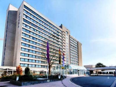 exterior view - hotel crowne plaza frankfurt congress hotel - frankfurt, germany