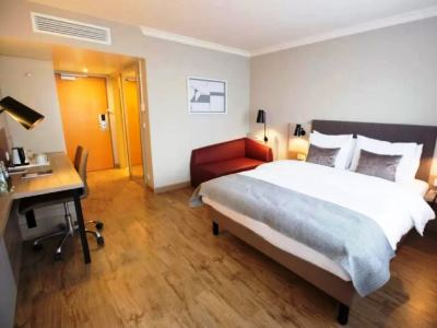 bedroom 1 - hotel crowne plaza frankfurt congress hotel - frankfurt, germany