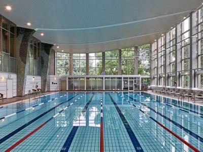 indoor pool - hotel hilton frankfurt city centre - frankfurt, germany