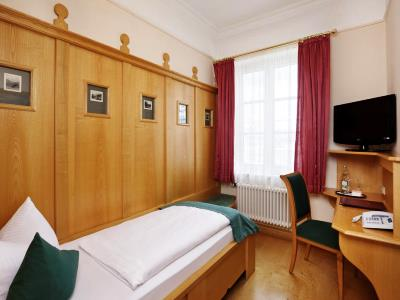bedroom 10 - hotel hirsch - fussen, germany