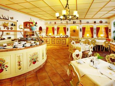restaurant - hotel hirsch - fussen, germany