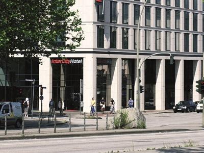 Intercity Hamburg Hauptbahnhof