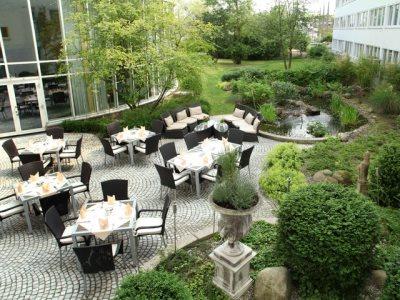 gardens - hotel wyndham hannover atrium - hanover, germany