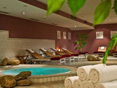 indoor pool - hotel wyndham hannover atrium - hanover, germany