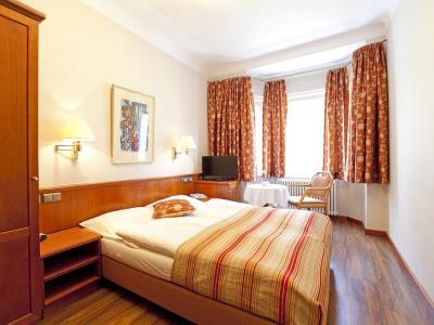 bedroom - hotel mueller - hohenschwangau, germany