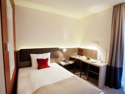 bedroom 1 - hotel bigbox allgaeu - kempten, germany